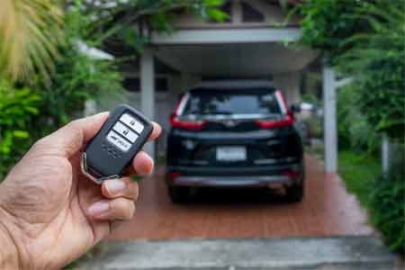 What are the reasons for car locks up