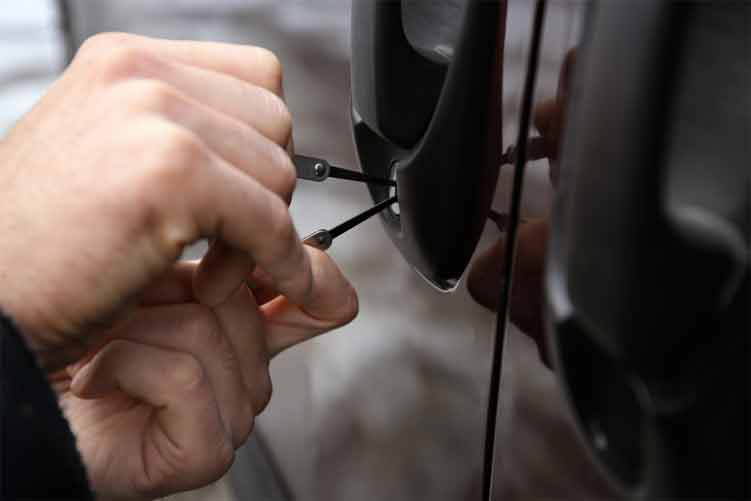 What to Do When your Car Locks Up